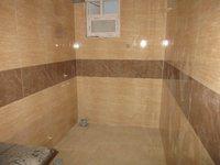 13DCU00044: Bathroom 2