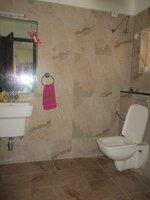 15S9U00906: Bathroom 2