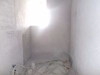 11DCU00076: Bathroom 2
