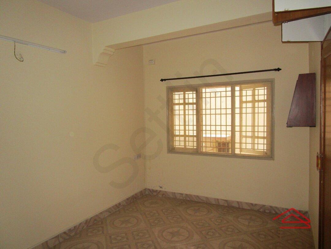 15A4U00183: Bedroom 1