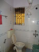 12OAU00158: Bathroom 1