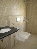14J1U00316: Bathroom 2
