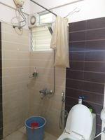 12OAU00195: Bathroom 2