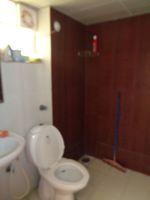 12DCU00220: Bathroom 1