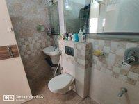 14F2U00438: Bathroom 1