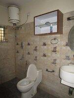 15F2U00414: Bathroom 1