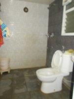 14A4U00540: Bathroom 1