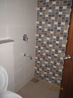 13DCU00351: Bathroom 2