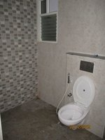 13DCU00351: Bathroom 3