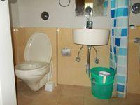 12OAU00213: Bathroom 2
