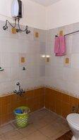 15A4U00145: bathrooms 1
