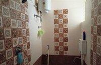 15A4U00384: Bathroom 2