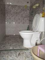 13J6U00243: Bathroom 2