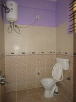 13J6U00567: Bathroom 1