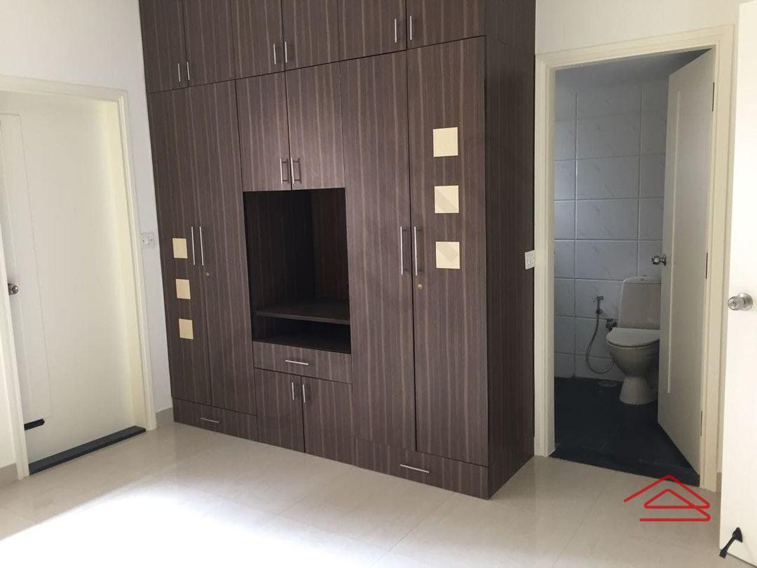 13F2U00462: Bedroom 1