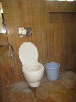 14DCU00611: Bathroom 2