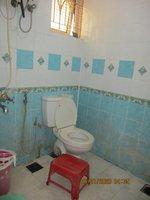 14J1U00029: Bathroom 2