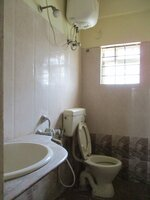 14DCU00301: Bathroom 2