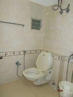 13J6U00024: Bathroom 1