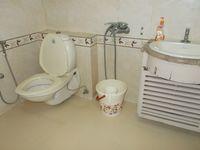 13J6U00024: Bathroom 3