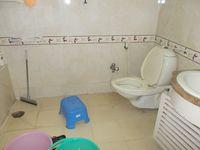 13J6U00024: Bathroom 2