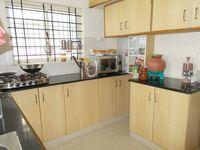 13J6U00024: Kitchen 1