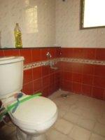 13OAU00284: Bathroom 3
