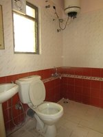 13OAU00284: Bathroom 1