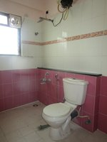 13OAU00284: Bathroom 2