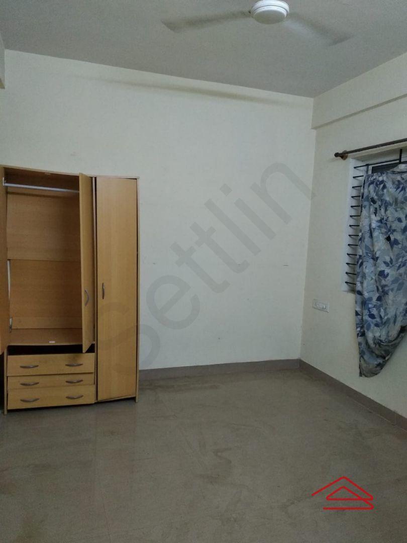 13J6U00520: Bedroom 1