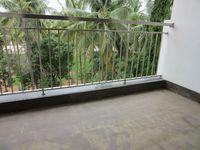13J7U00351: Balcony 2