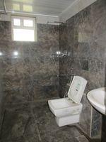 13J7U00351: Bathroom 2