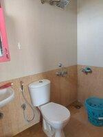 15F2U00381: Bathroom 2
