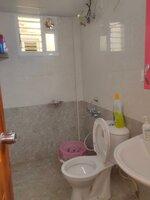 15F2U00381: Bathroom 1
