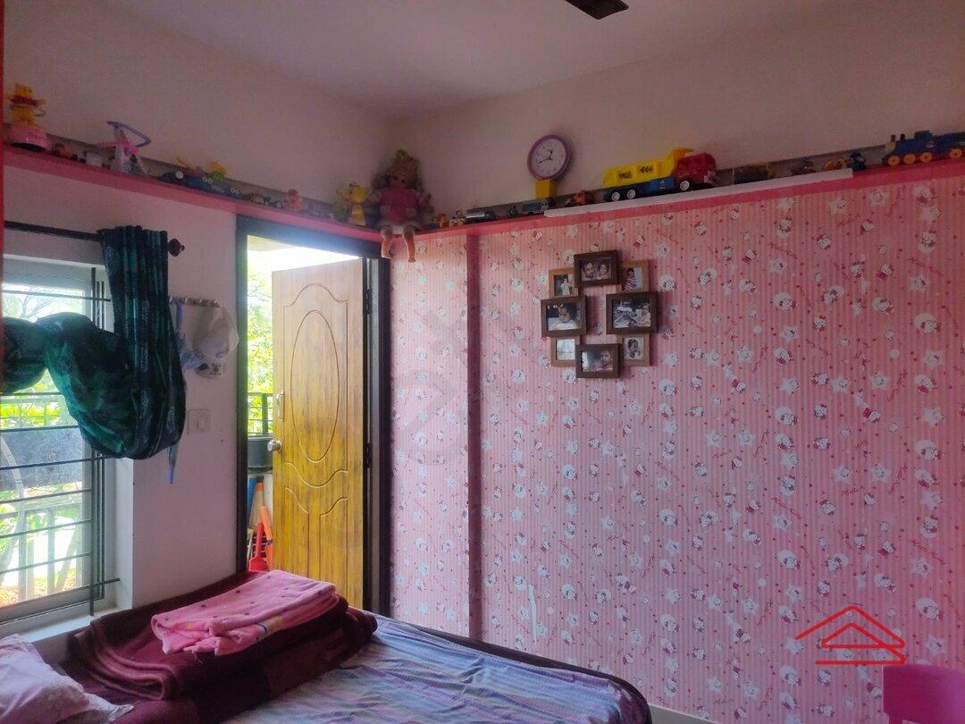 15F2U00381: Bedroom 1