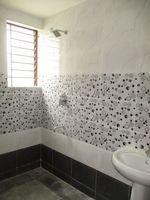11NBU00210: Bathroom 3