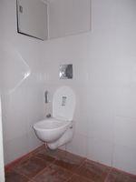 13M3U00077: Bathroom 5