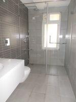 13M3U00077: Bathroom 2