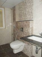 13M5U00538: Bathroom 3