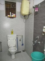 13DCU00416: Bathroom 2