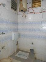 13J1U00046: Bathroom 1