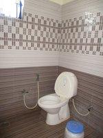 14J6U00234: Bathroom 2