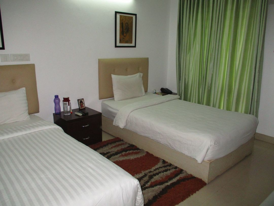 10A8U00092: Bedroom 1