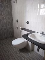 12J7U00061: Bathroom 2