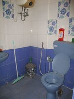 15M3U00117: Bathroom 2