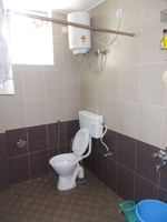 12M5U00089: Bathroom 2