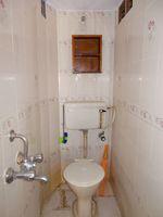 11NBU00614: Bathroom 2