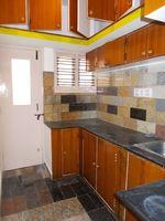 11NBU00614: Kitchen 1
