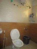 13OAU00352: Bathroom 1