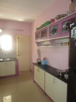 13OAU00352: Kitchen 1
